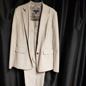 Rafaella size 10 tan/cream pants suit